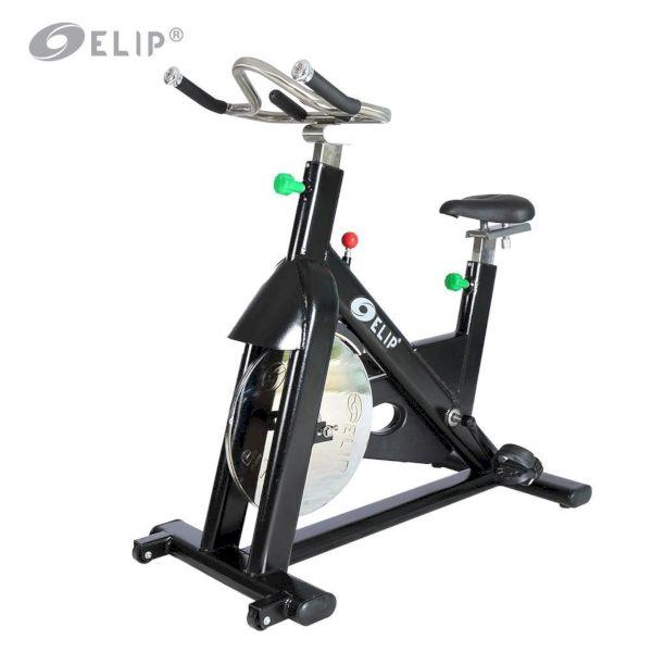 xe đạp tập thể dục phòng gym
