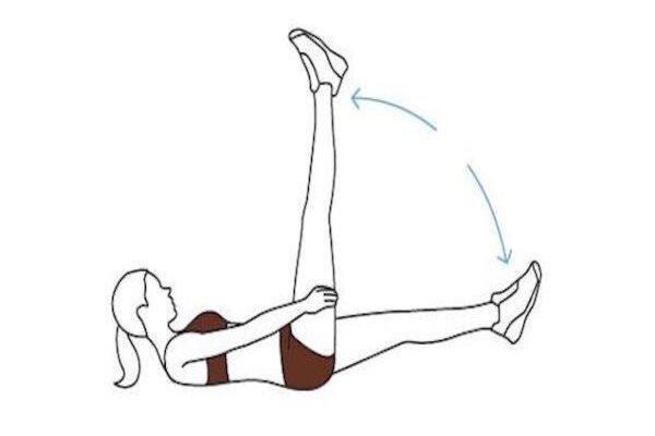 Bài tập đá chân cắt chéo