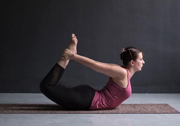Bài tập Yoga Dhanurasana
