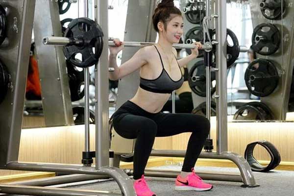 tập gym có làm nhỏ bắp tay không