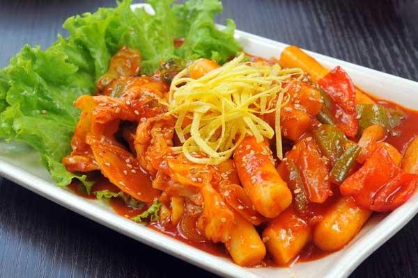 Cách làm tokboki ăn ngon miệng ngay trong mùa dịch 1